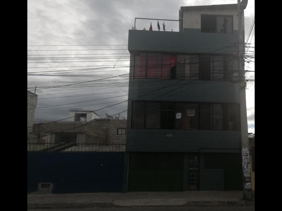 SE VENDE CASA RENTERA EN EL CENTRO DE CARAPUNGO