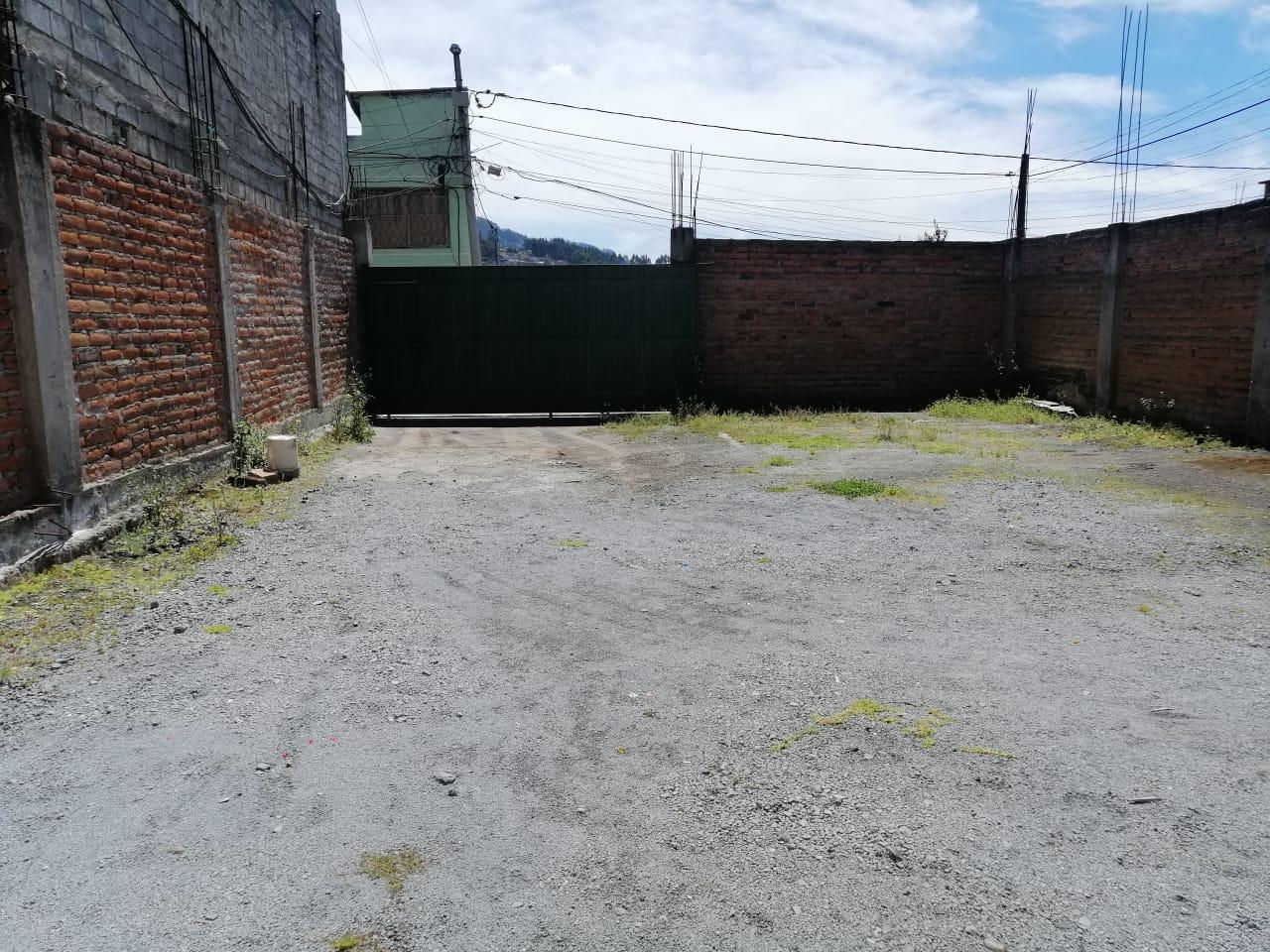 VENDO TERRENO DE 300 M2 EN EL SUR DE QUITO BARRIO VENCEDORES DE PICHINCHA TRAS DEL BARRIO EX COMBATIENTES DEL 41