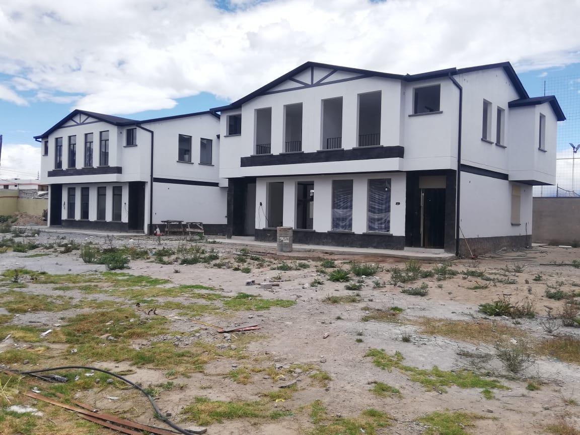 VENDO PROYECTO DE VIVIENDA EN CONSTRUCCIÓN AVANZADA EN CALDERON